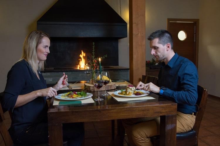 restaurace-prijemne-posezeni